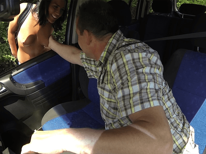 Geile Strassen Schlampe beim Fummel Sex mit einem Freier