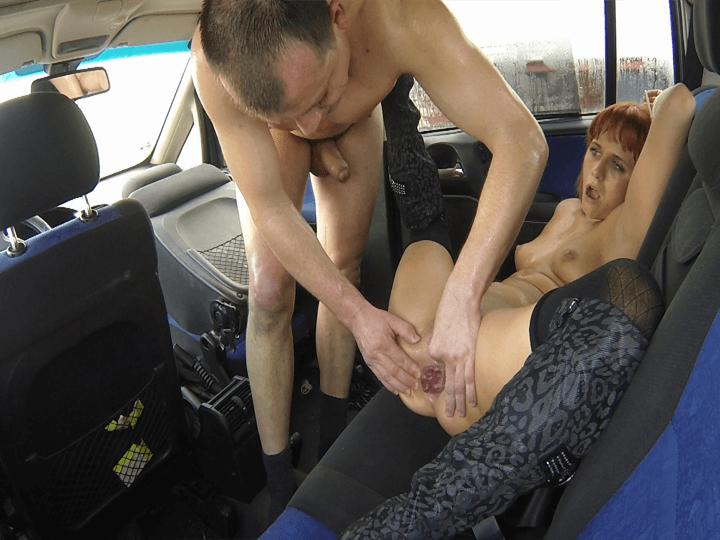Geiler analsex mit deutscher maus und schluckt alles - 1 6